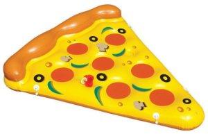Boia inflavel em formato de pizza.