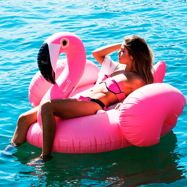 boia flamingo gigante