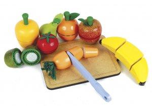 Dez frutas ( pera, maça, banana, kiwi, laranja, cenoura, tomate, pimentão, faca e tábua de corte; um de cada)